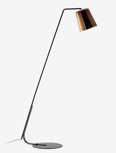 Lampara de pie Karina de metal con un acabado dicróico de latón