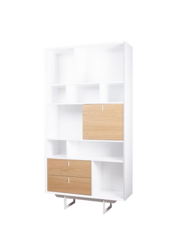 Librero alto Porto chapa natural de madera de roble