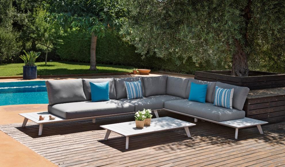 Sofa esquinero positano aluminio blanco con cojines
