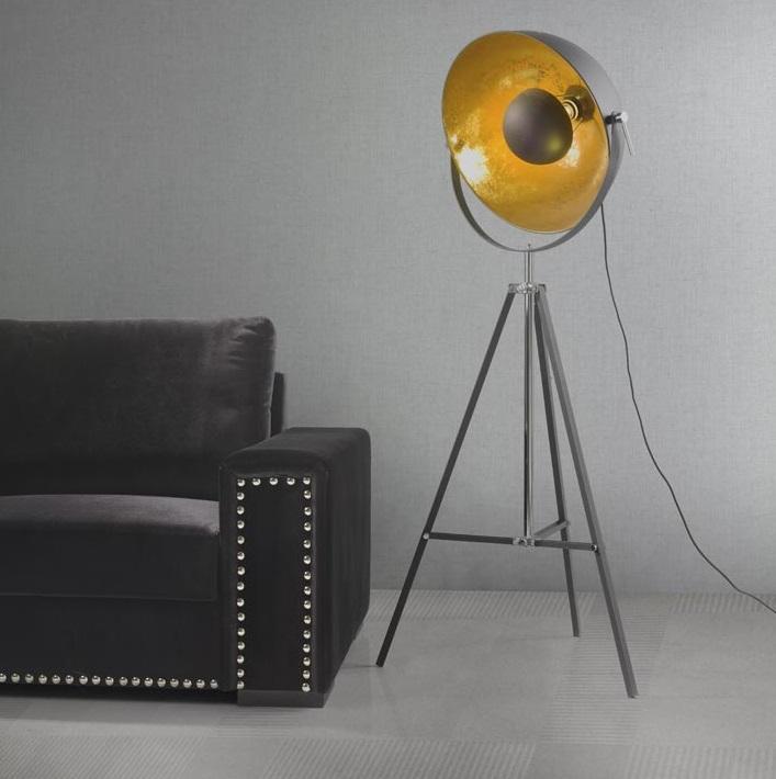 Lampara salon gran foco tripode metal negro