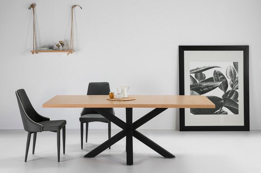 Mesa de comedor Ainoa roble pies metal negro 200x100