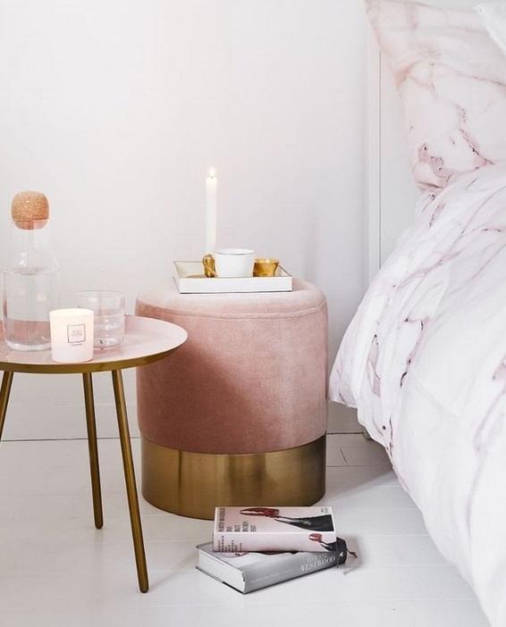 Puf tapizado terciopelo rosa metal dorado 40 cm