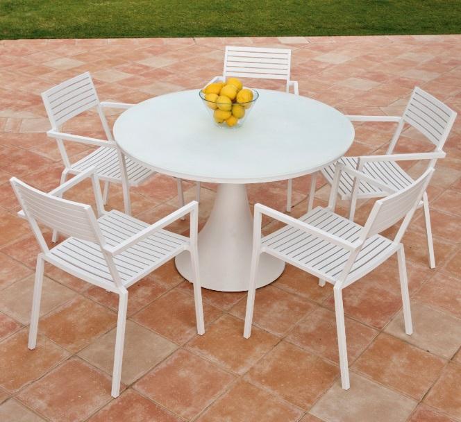 Conjunto de terraza Fano Breeze mesa redonda aluminio blanco